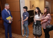 Ron Losby greets Aristo Sham, Tracy Wong, Prudence Poon at Steinway & Sons