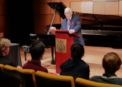 006 Melvin Stecher giving further details at Steinway Hall