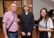 021 Matyas Novak with father and friend at Steinway Hall