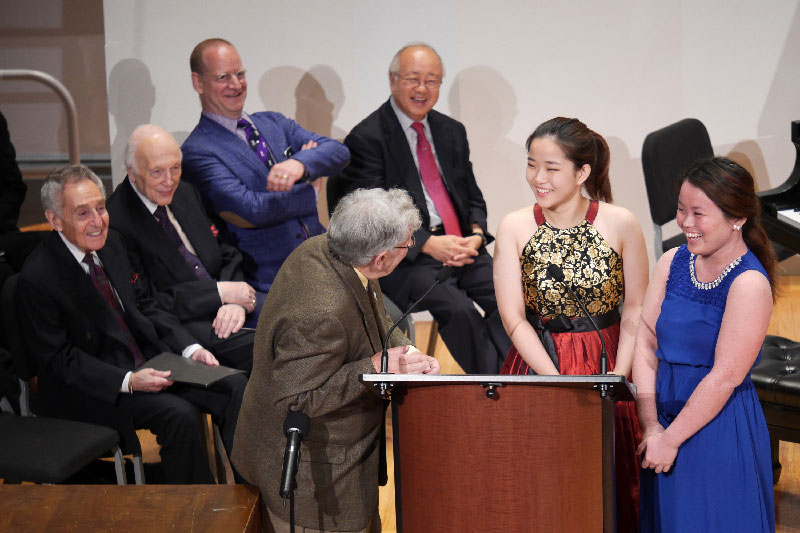 09-Robert-Sherman-interviews-First-Prize-Winners,-One-Piano,-Four-Hands-Ensemble,-Jooyeon-Ka-and-Prudence-Poon